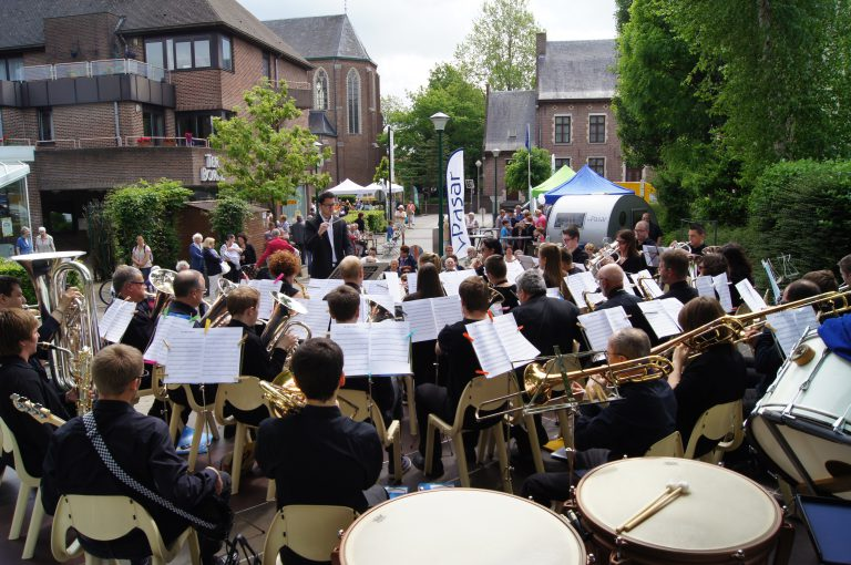 Koninklijke Muziekvereniging De Rochusvrienden Beigem concert Strombeek Feest